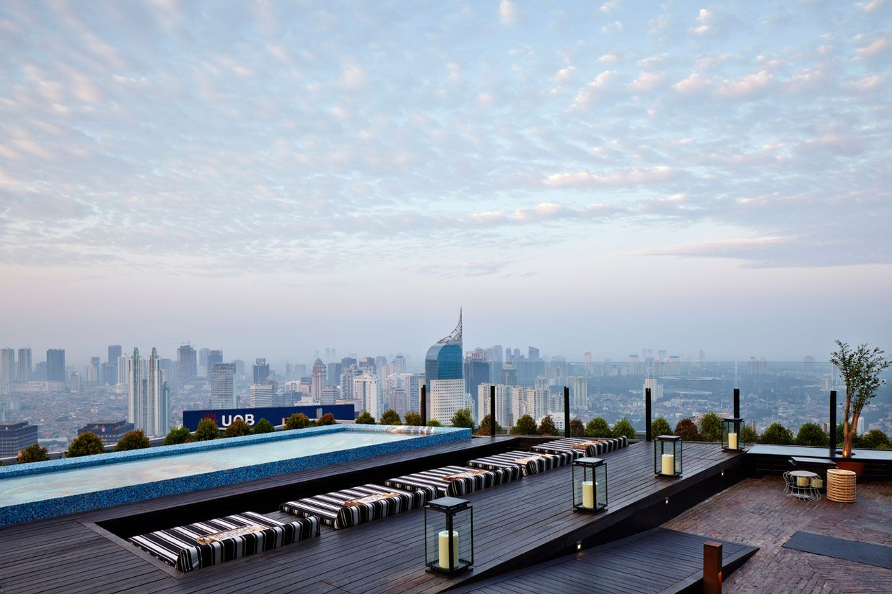 Pin By Roberto Portolese On Roof Top Terrace Rooftop Bar Bangkok Rooftop Bars Los Angeles Rooftop