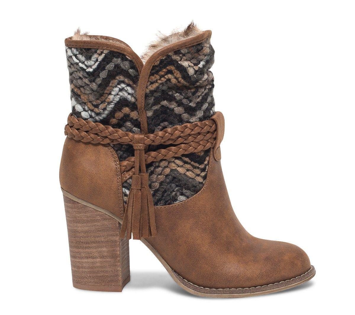 esprit folk vident pour ce boots marron talon haut sa tige montante est r hauss e de maille. Black Bedroom Furniture Sets. Home Design Ideas