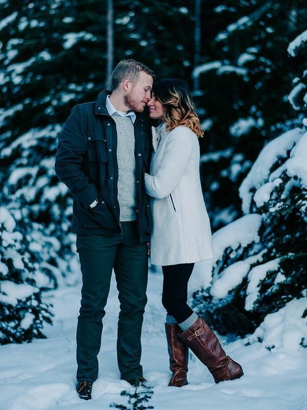 Stay Warm in these 10 Winter Engagement Outfit Ideas