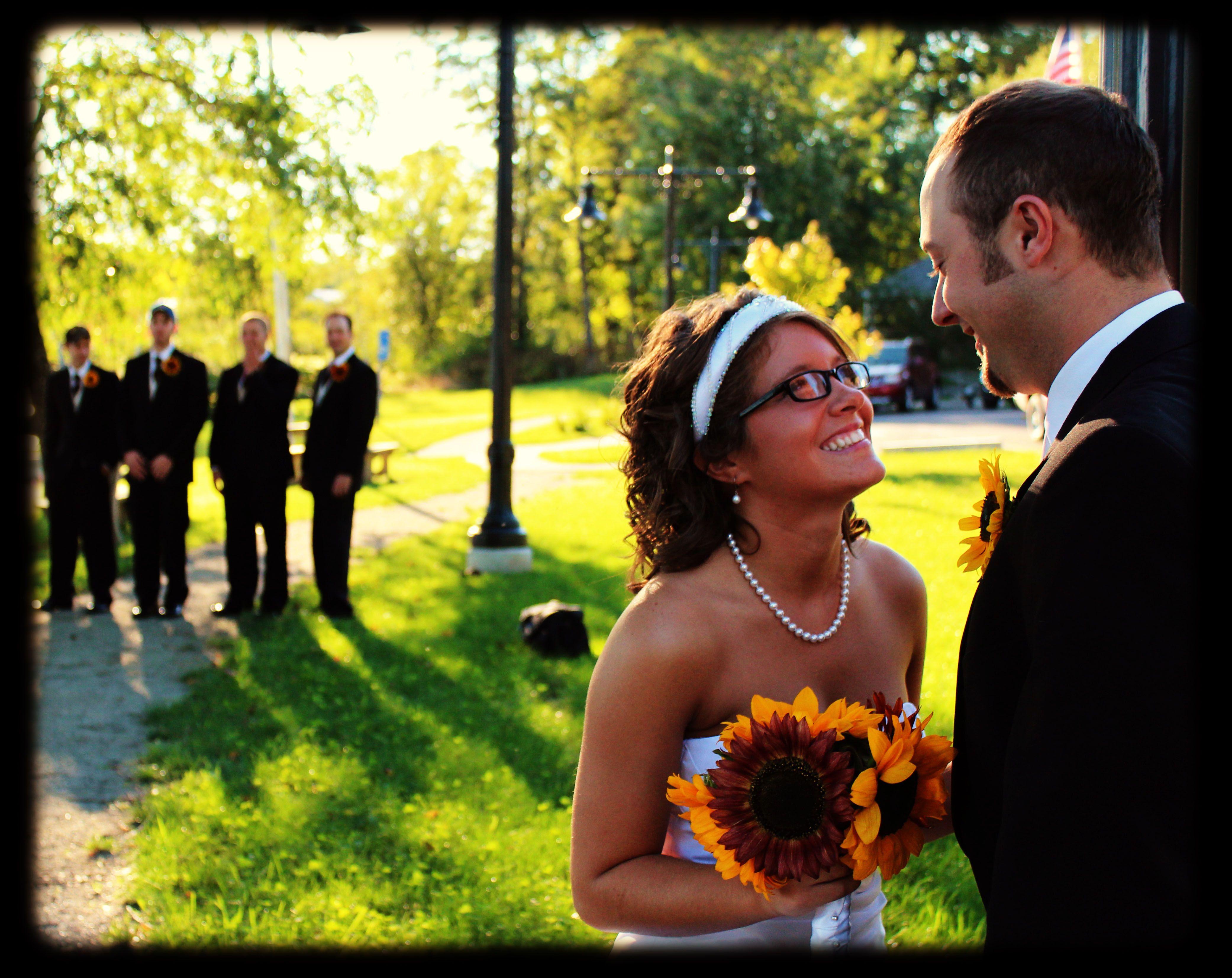 Wedding Pose One Stop Wedding Wedding Poses Wedding Photography Poses Wedding Photos Poses