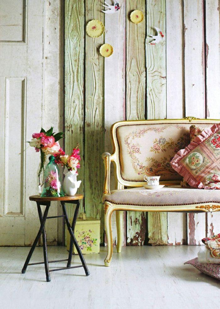 Shabby Chic Wohnzimmer Ideen Wandgestaltung Holzbohlen Grün