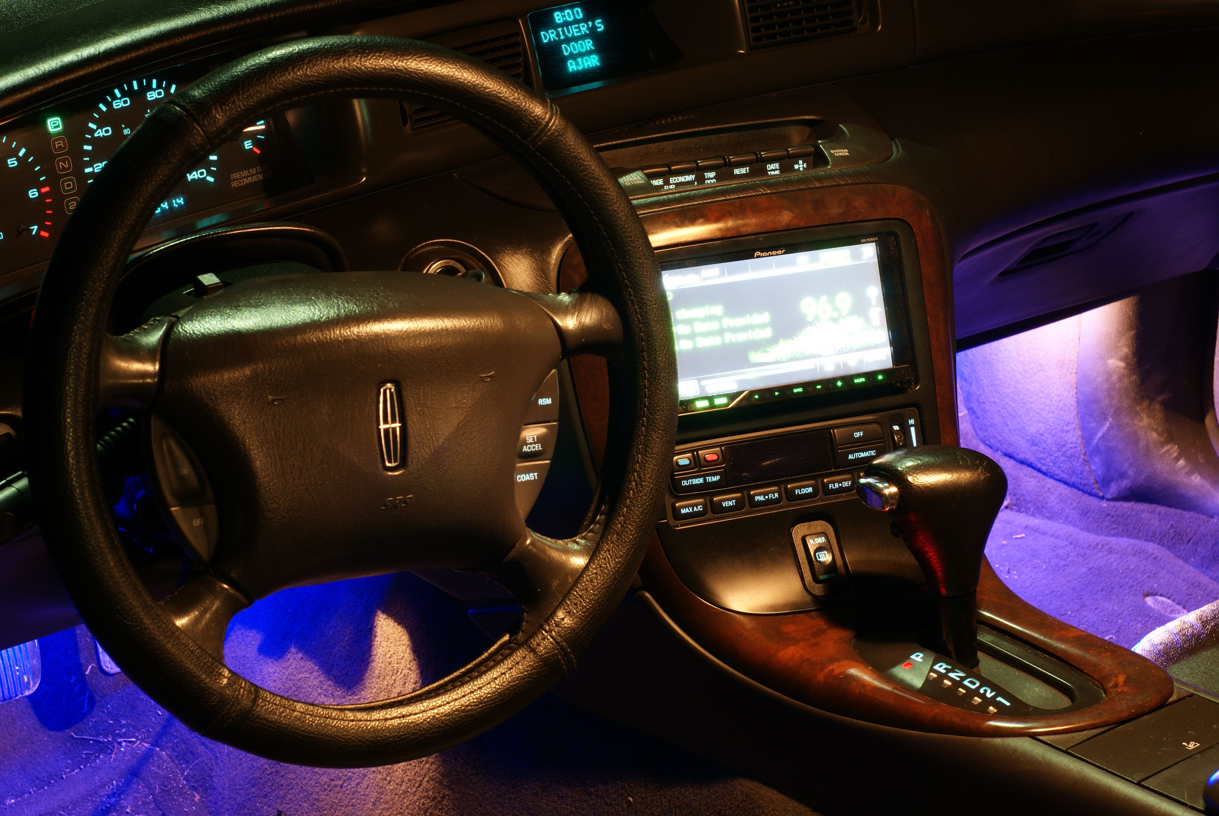 Lincoln Mark VIII Interior