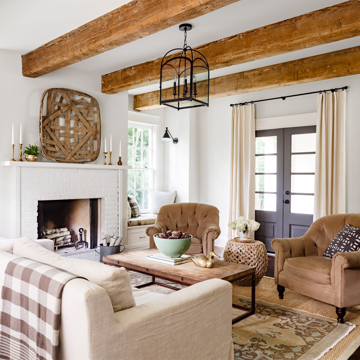 A Rustic Tennessee Home That Does White Right Country Living Room Southern Living Rooms Country House Decor Southern living room decorating