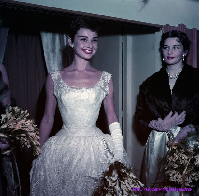 The actress Audrey Hepburn photographed after a fashion show atGerzon(female department store in the famousKalverstraatstreet), in Amsterdam.