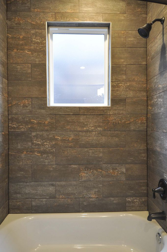 Hall Bathroom Tub/shower Combo  Privacy Window And Wood/bark Looking Tile  Surround