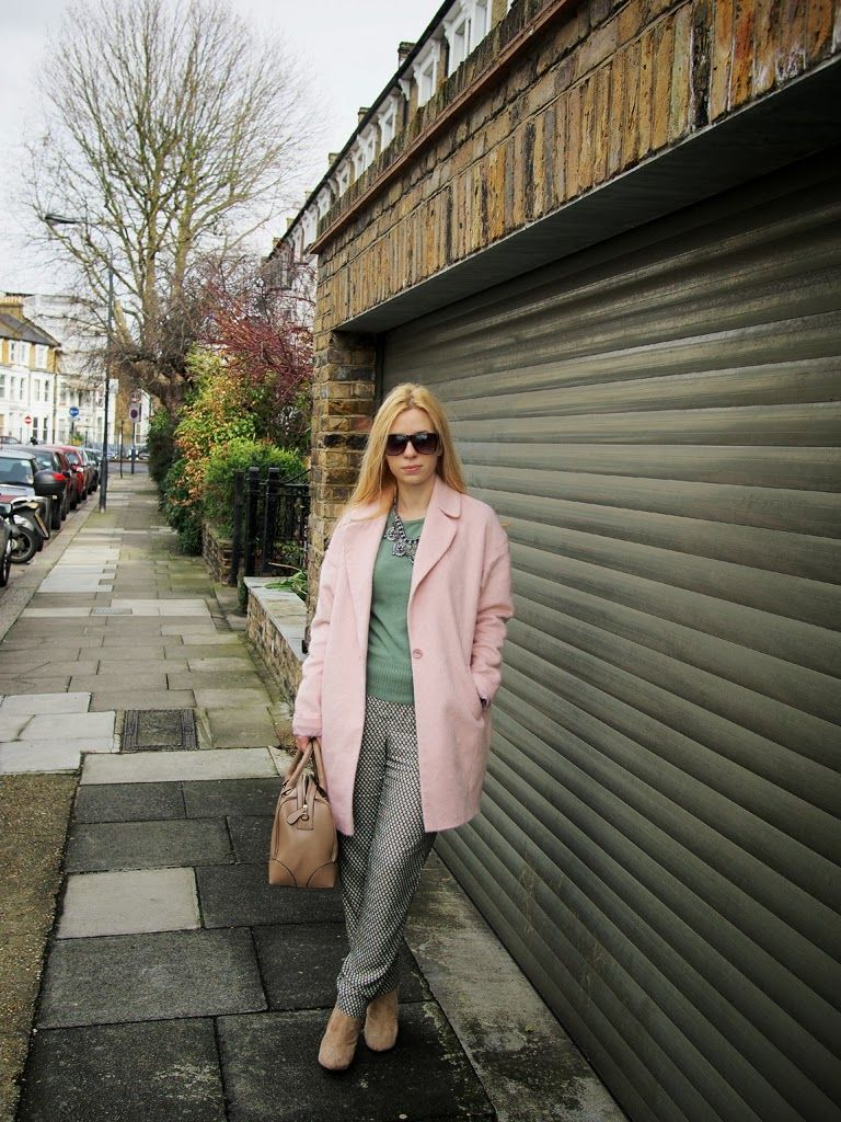 Decided to dress like a huge marshmallow to welcome #spring. More on www.theprovocativecouture.com #fashionblogger #streetstyle #pastels #outfit #fashion