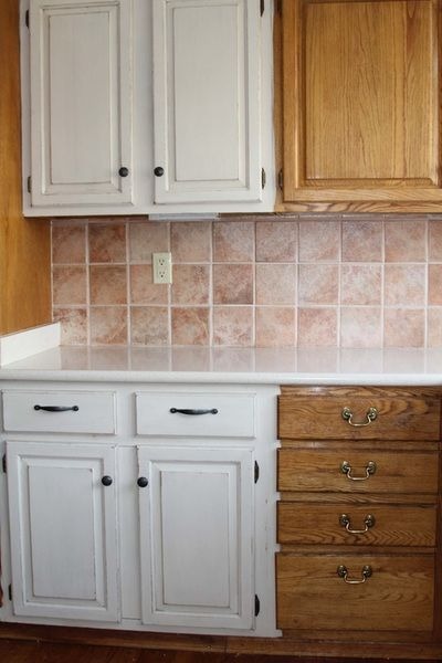 Chalk Tique Added To Antique White Paint Making My Way Around The Kitchen New Life Old Oak Cabinets