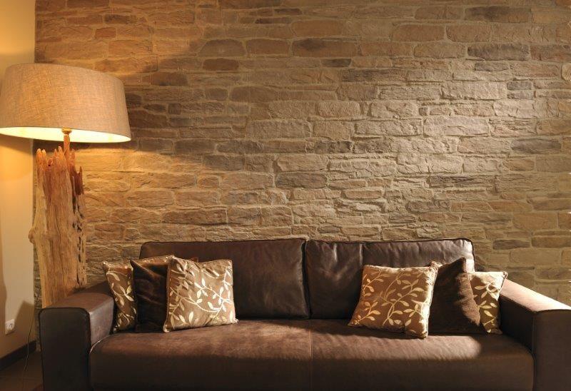 Gibt ein tolles licht die wandverblender murok sierra m43 - Steinriemchen wohnzimmer ...