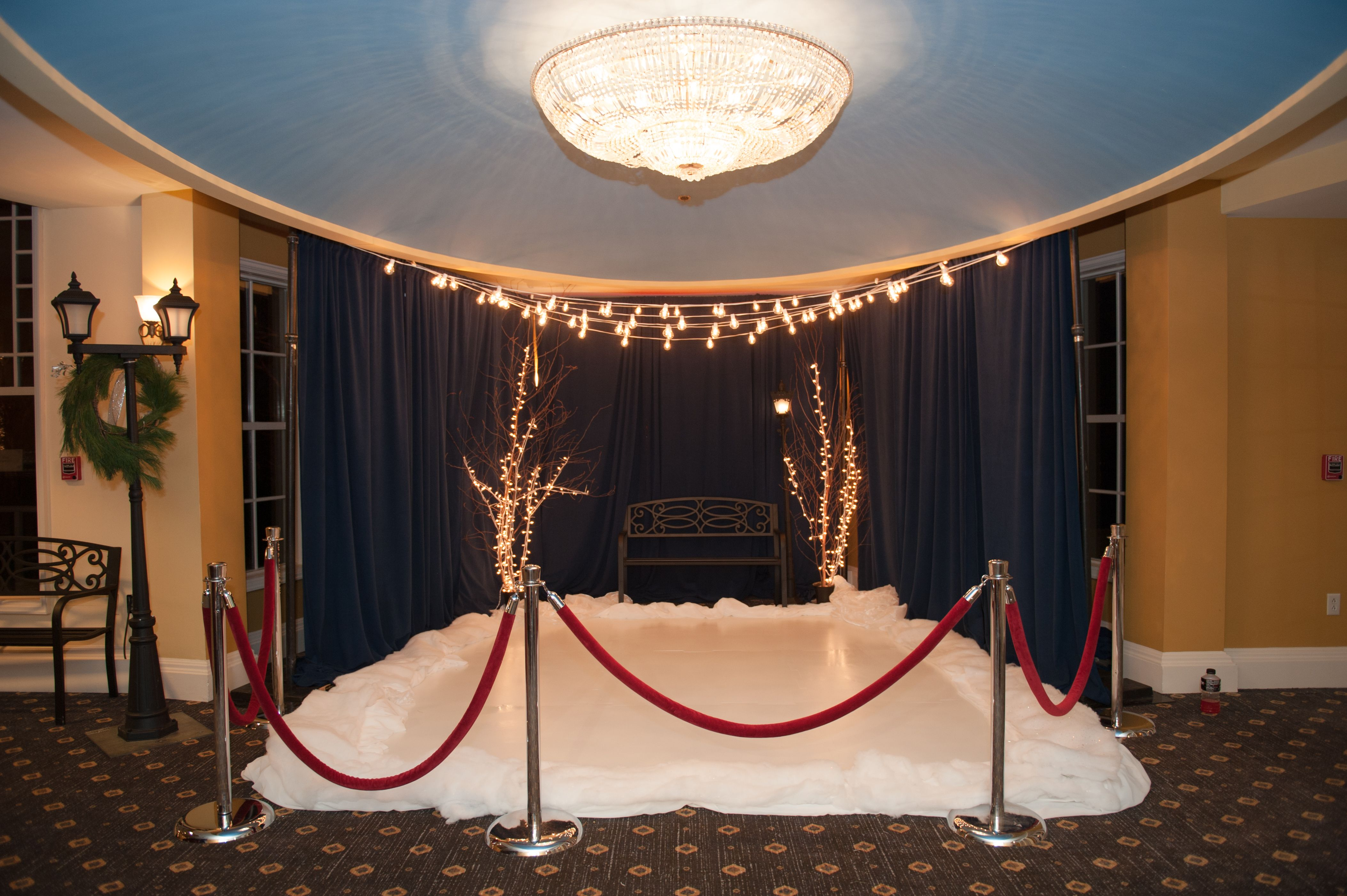 NYC-themed holiday event at Waterview in Monroe, CT - complete with an indoor ice skating rink! We love making magic happen! #powerstationevents #nycthemed