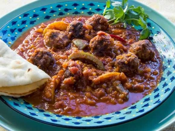 Serving 3 Moroccan Kefta Tagine (Spicy Meatballs & Tunisian Tomato Sauce)
