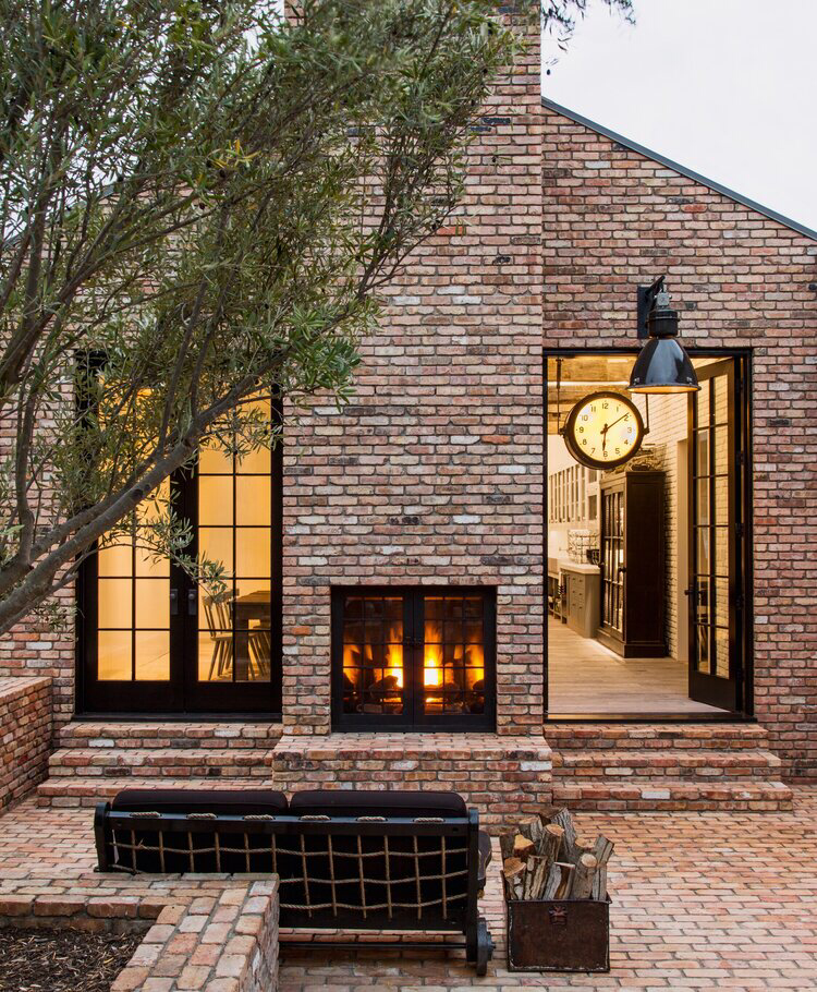Pros And Cons Of Painting Your Brick House In 2020 Brick