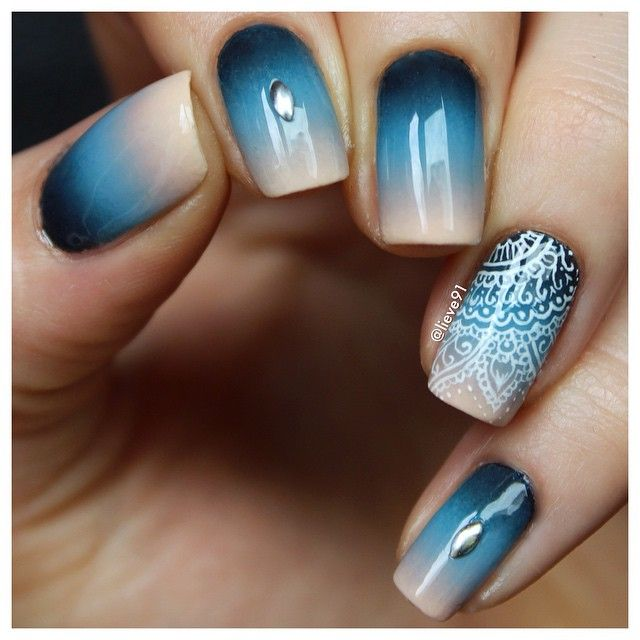 Lovely ombre with a random hand drawn pattern on accent nail☺ I ...
