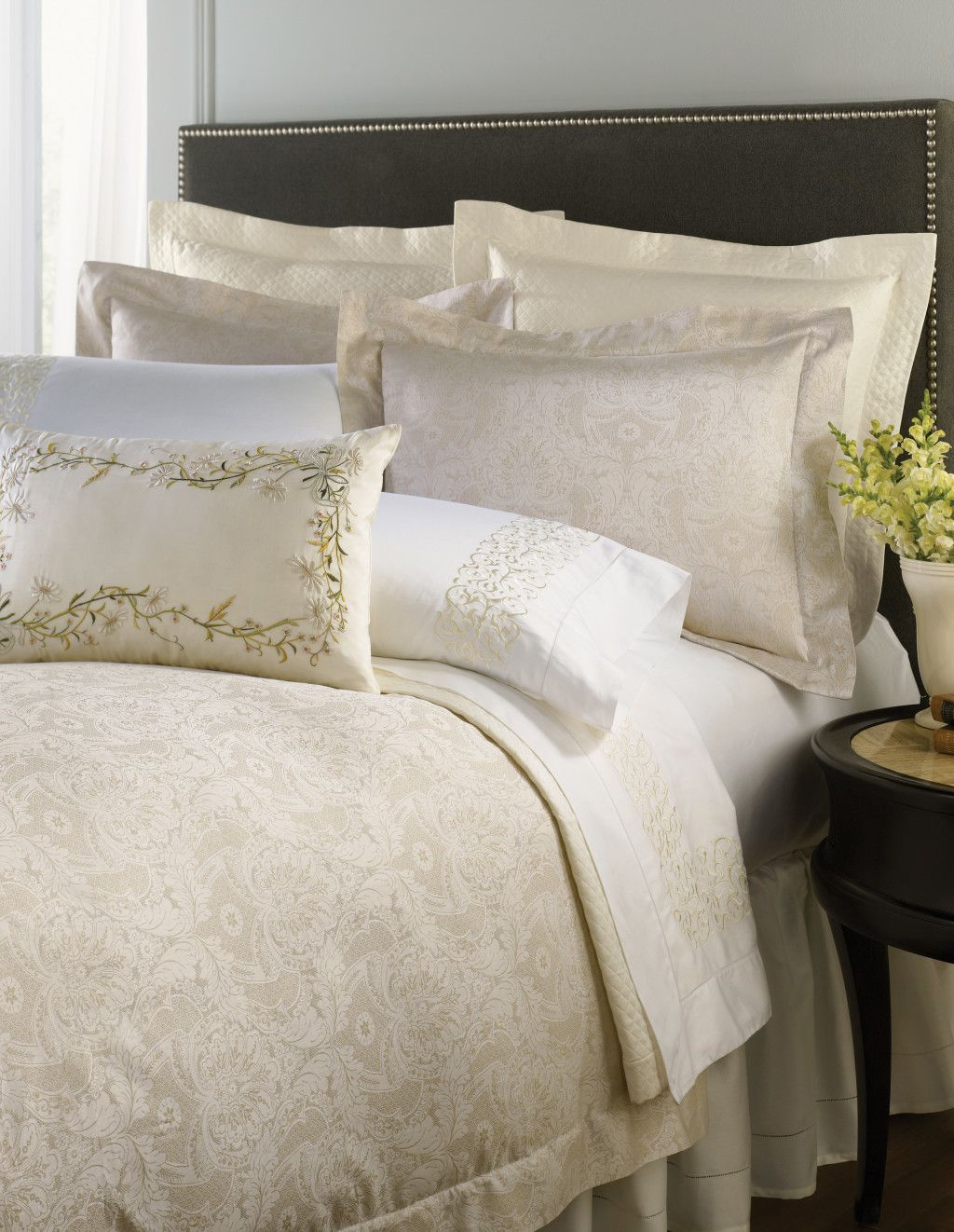 bedroom comforter sets queen black and white bedding shabby chic  - bedroom comforter sets queen black and white bedding shabby chic beddingqueen comforter sets sferra