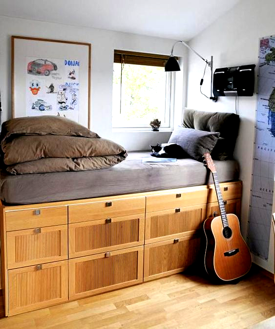 Bedroom Decor For Teenage Guys With Small Rooms Bed With B In 2020 Small Room Bedroom Bedroom Design Teenage Boy Room