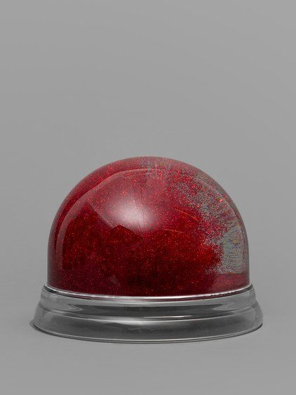 MAISON MARTIN MARGIELA LINE 13 COLLECTION OVERSIZE SOUVENIR SNOWBALL WITH RED GLITTER   - MAISON MARTIN MARGIELA OVERSIZE SOUVENIR SNOWBALL  - LINE 13 COLLECTION  - CONTAINS RED GLITTER  - WIDTH: 22 CM  - HIGHT: 16,5 CM  - 100% PLASTIC