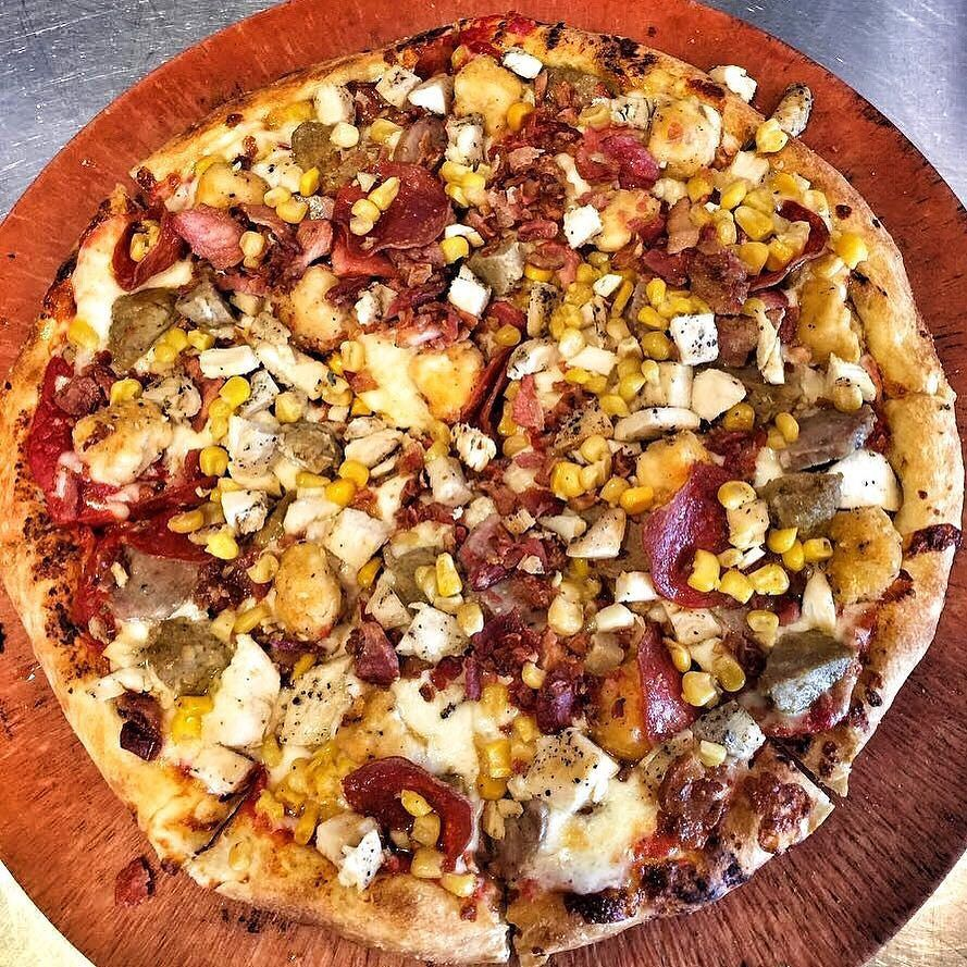 Corn on your pizza? Why not! #pizza #kreate #kreatepizza #kreateglendale #whatwillyoukreate #northhollywood #highlandpark #glendale #silverlake #pizzalove #pizzaporn #pizzatime #foodie #foodgasm #foodporn #eat #eater #losangeles #california #eaglerock #goodeats #burbank #calzone #calzonepizza #nutella #banana #nutellapizza #hawaiian