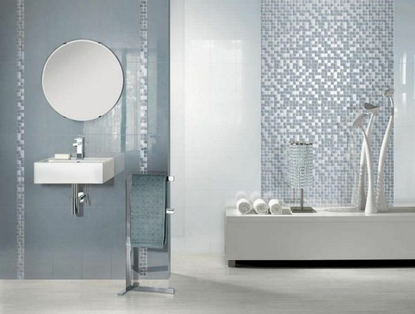 salle de bains avec miroir mosaïque ronde sur le mur | salle de ...