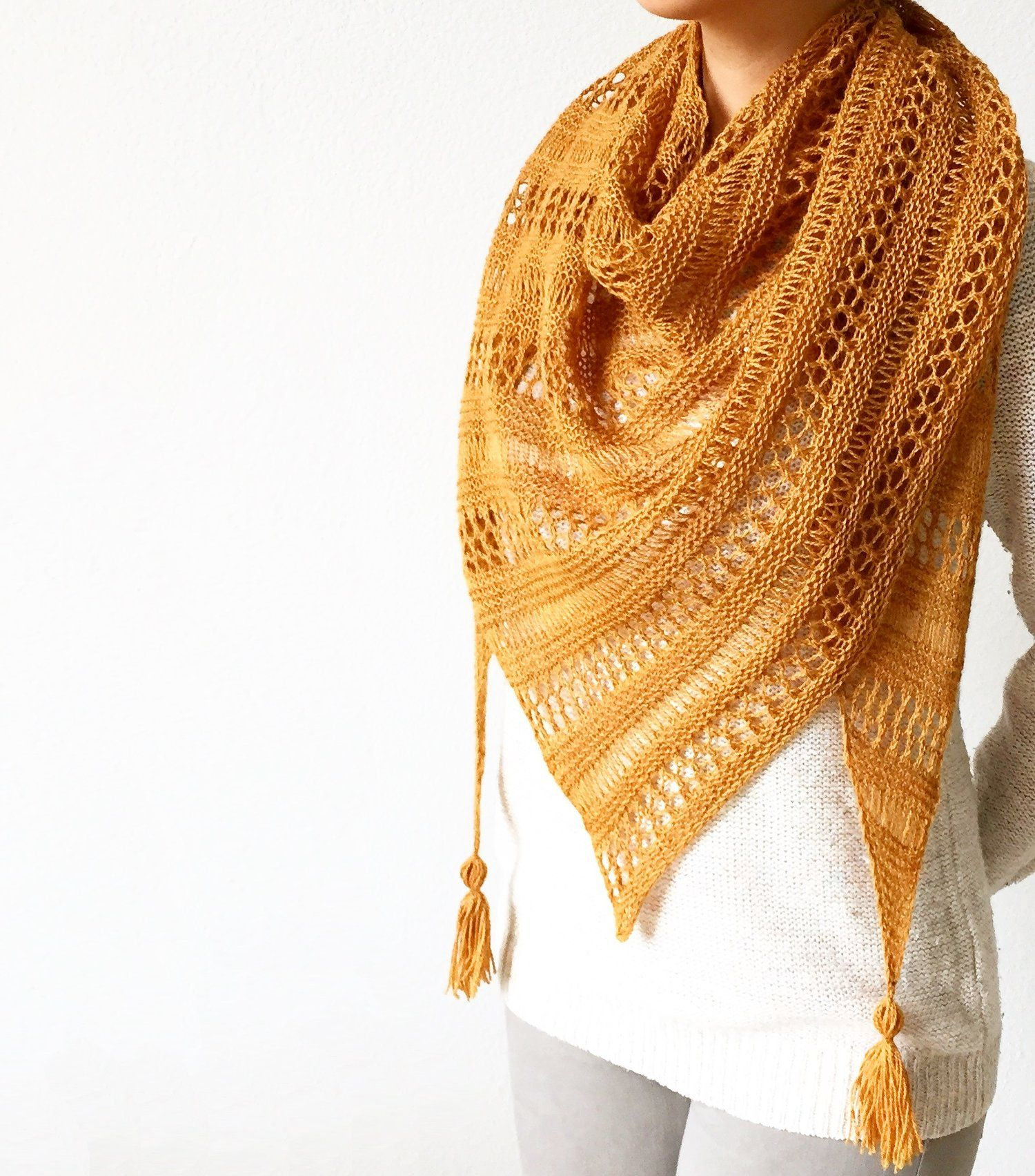 Free knitting patterns and step-by-step basic knitting lessons and ...