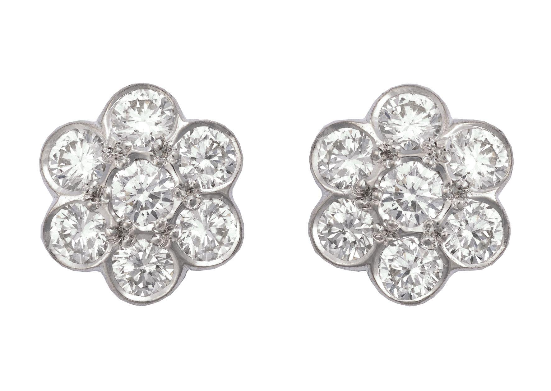 Daisy cluster diamond earrings Earrings Pinterest