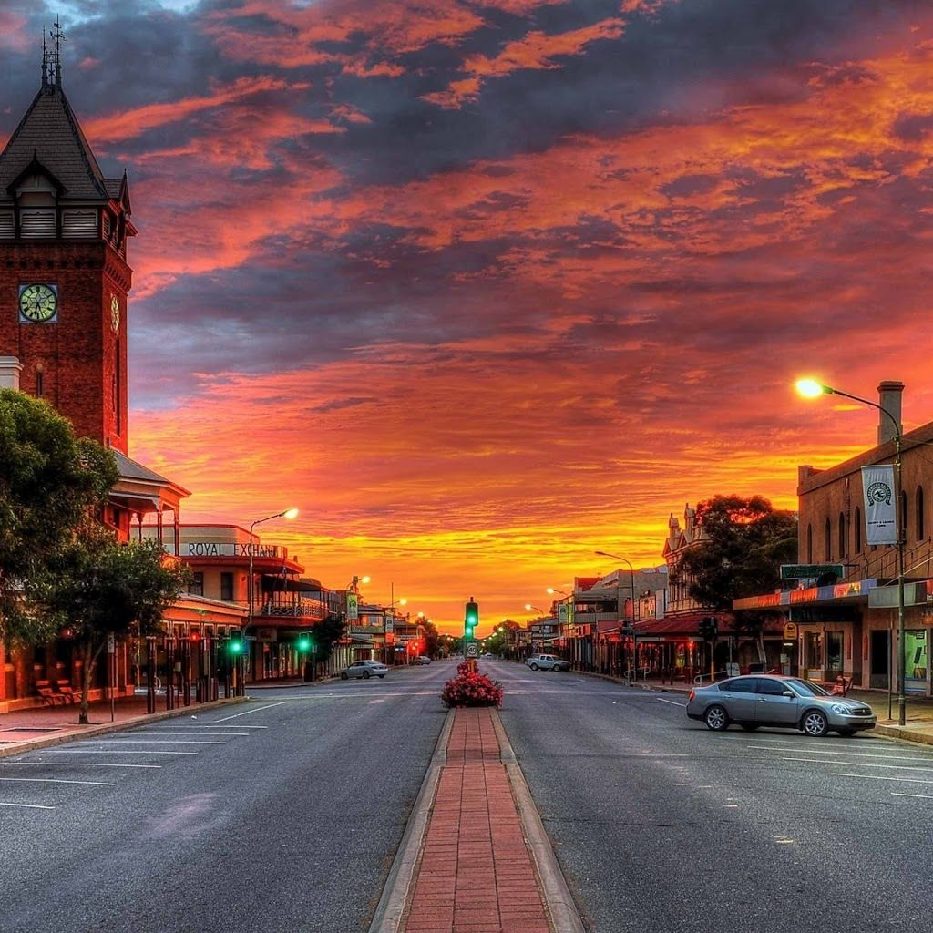 It Looks Like A Painting But This Is Actually A Small Town Unknown Beautiful Places In The World Australia Places Around The World