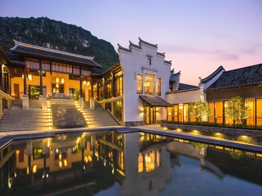 Best Price on Banyan Tree Yangshuo Hotel in Yangshuo