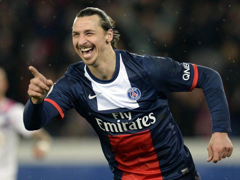 Zlatan Ibrahimovic celebra un gol con il PSG, uno dei più
