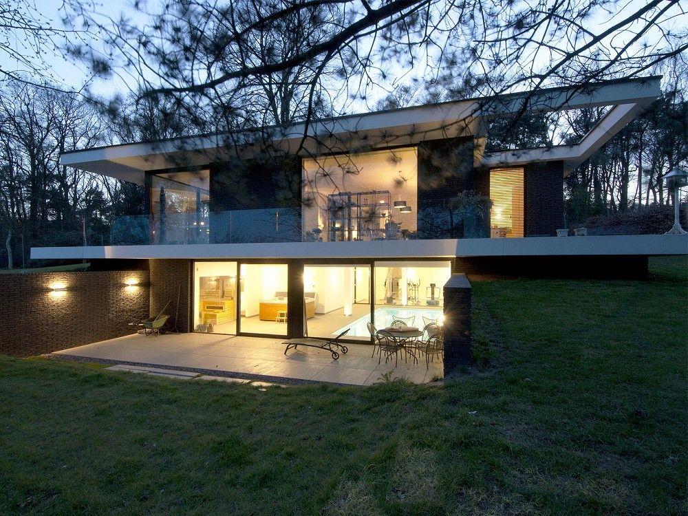 Maas architecten woonhuis lochem stucwerk modern villa strak
