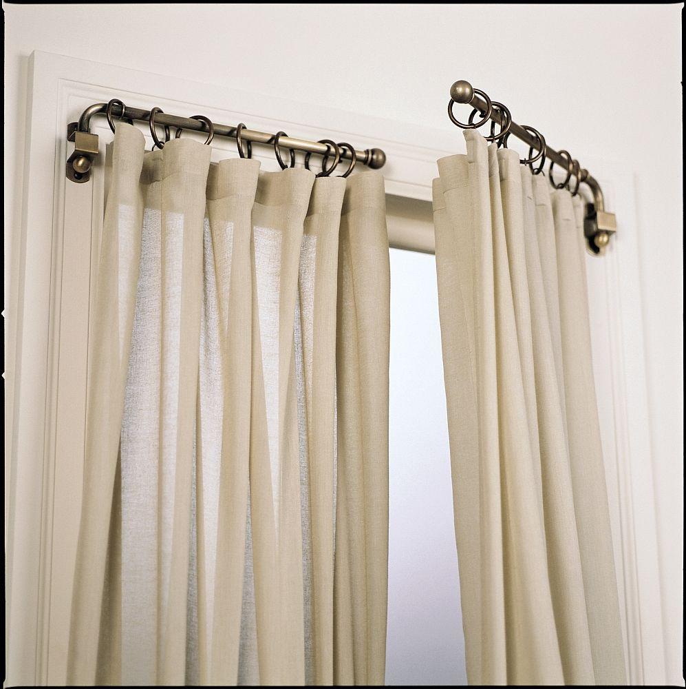Cortinados que abrem como se fossem as janellas uma ideia muito