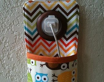 iPhone , iPod Touch, Docking Station /  wall Socket Holder / cell phone charger holder