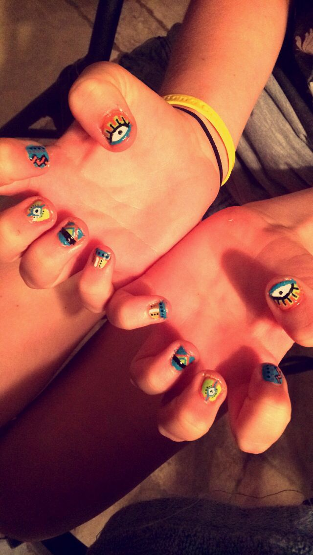 My friend Maggie did these amazing nails!!!!!!