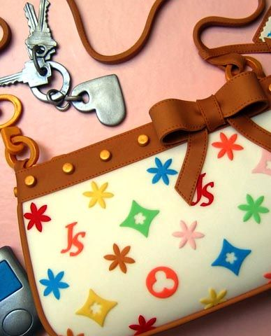 Can you believe this handbag is made out of cake? Louis ...