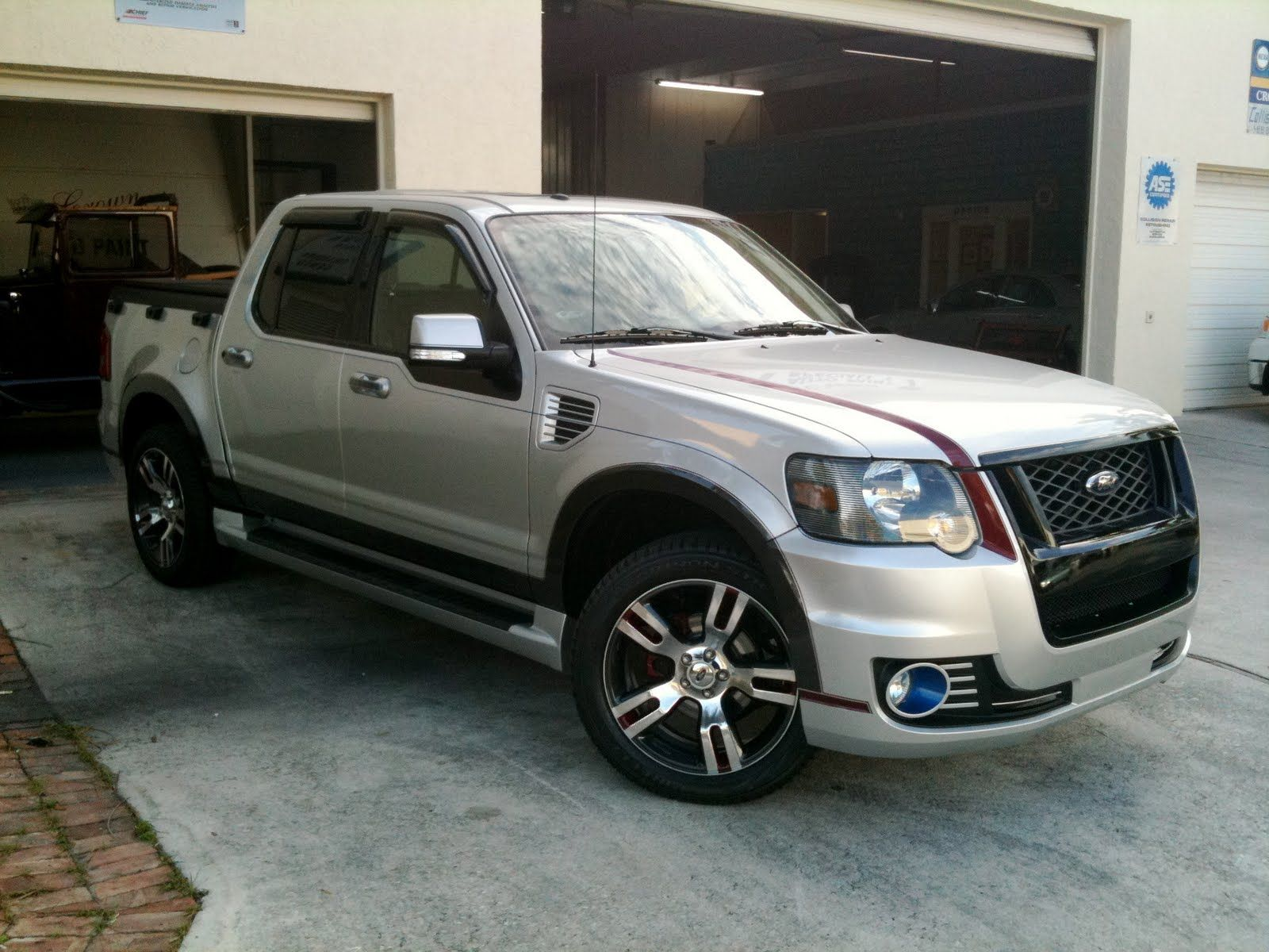 Explorer ford explorer custom suv tuning jeep truckford explorer4x4super carsporthtml