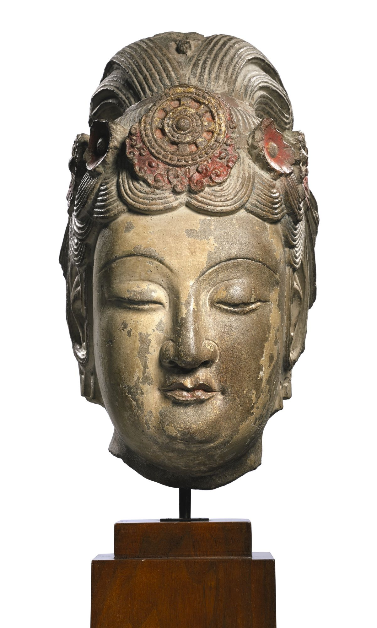 Extremely rare large limestone head of a bodhisattva sui dynasty an extremely rare large limestone head of a bodhisattva sui dynasty biocorpaavc Choice Image