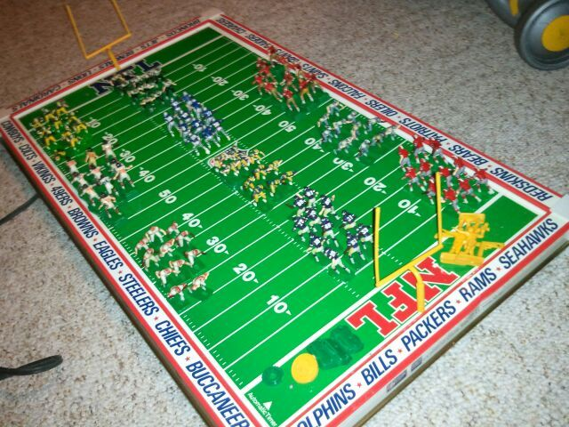 Vintage Tudor Games Brand 520 NFL ELECTRIC FOOTBALL GAME Officially Licensed W