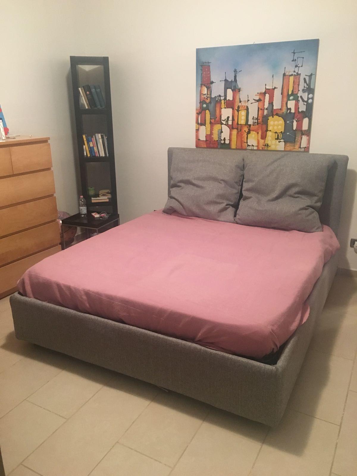 Testata letto con sponde e cuscini arredo interno | Arredo interni ...