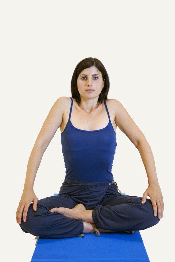 yoga: esercizi di respirazione per combattere stitichezza, cattiva digestione e stress
