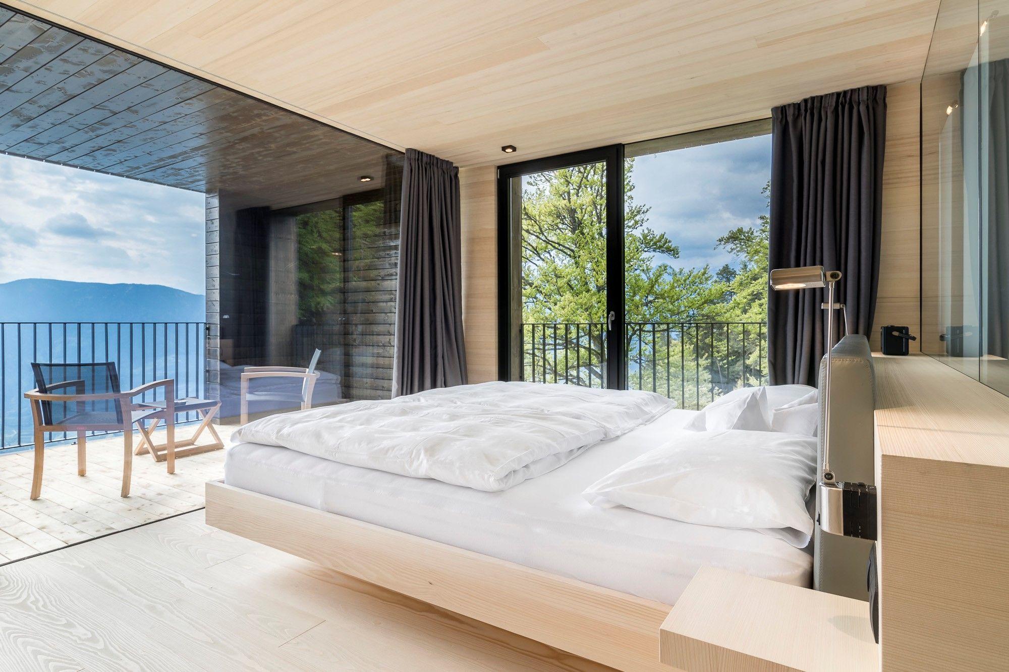 Neues boutique hotel zimmer mit aussicht auf die berge der for Design boutique hotel meran