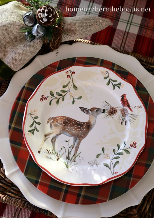 Set of 12 Festive Ceramic Red Woodland Reindeer Stags Christmas Dinner Plates