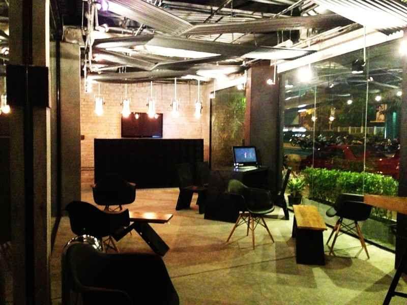 Belle Bangkok Thailand Hostel, Thrive Furniture Reviews