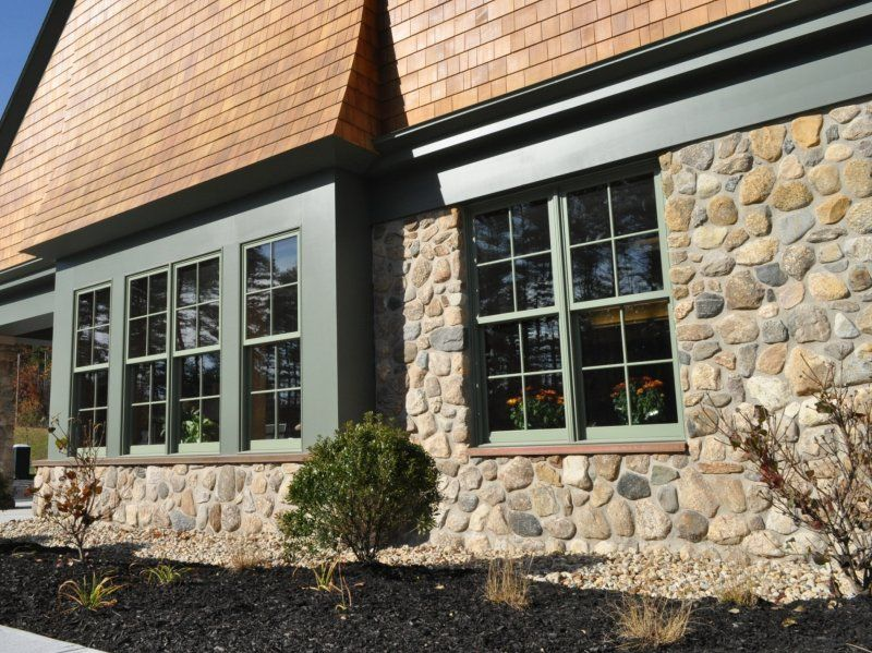 Natural Thin Stone Veneer And Hardscape Photos Stoneyard Stone Exterior Houses Stone Siding Stone Veneer Siding