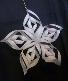 cornwall crafty stamper tutorials: how to make this paper Christmas Star