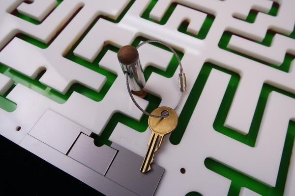 Key maze puzzle for escape rooms acrylic model maze for Escape puzzle
