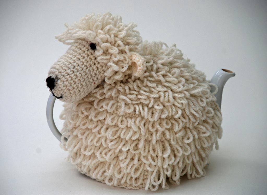 Sheep Tea Cosy #crochet   theemutsen   Pinterest   Teteras, Tejido y ...