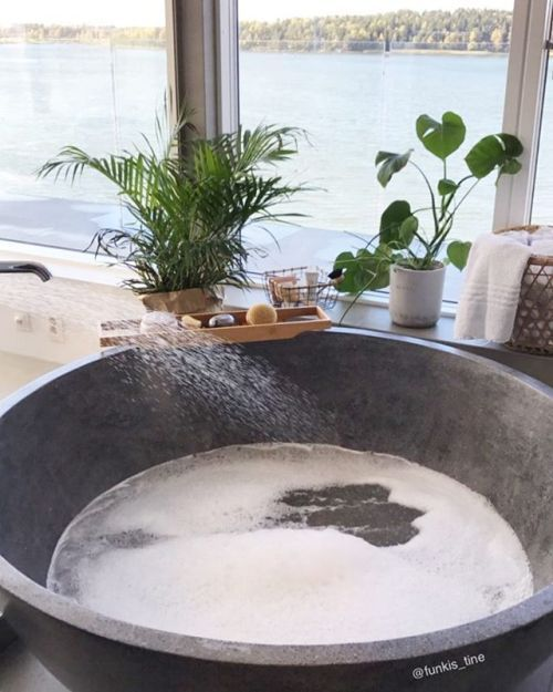 Pampering day   I hope you have had a wonderful day  Its soon time for bed so Ill wish you a good night  ________________________________________________ #bathroom #bathroominspo #baderom #baderomsinspo #interior123 #interiorinspo #interior4you #kkliving #bonytt #boligdrøm #skandinaviskehjem #funkistine #funkishus #nordichome #mynordicroom #jorunn_78 @jorunn_78 #lenespedersen @lenespedersen #frutanem @frutanem #frufjellstad @frufjellstad #casachicks1 @casachicks #hanneromhavaas…