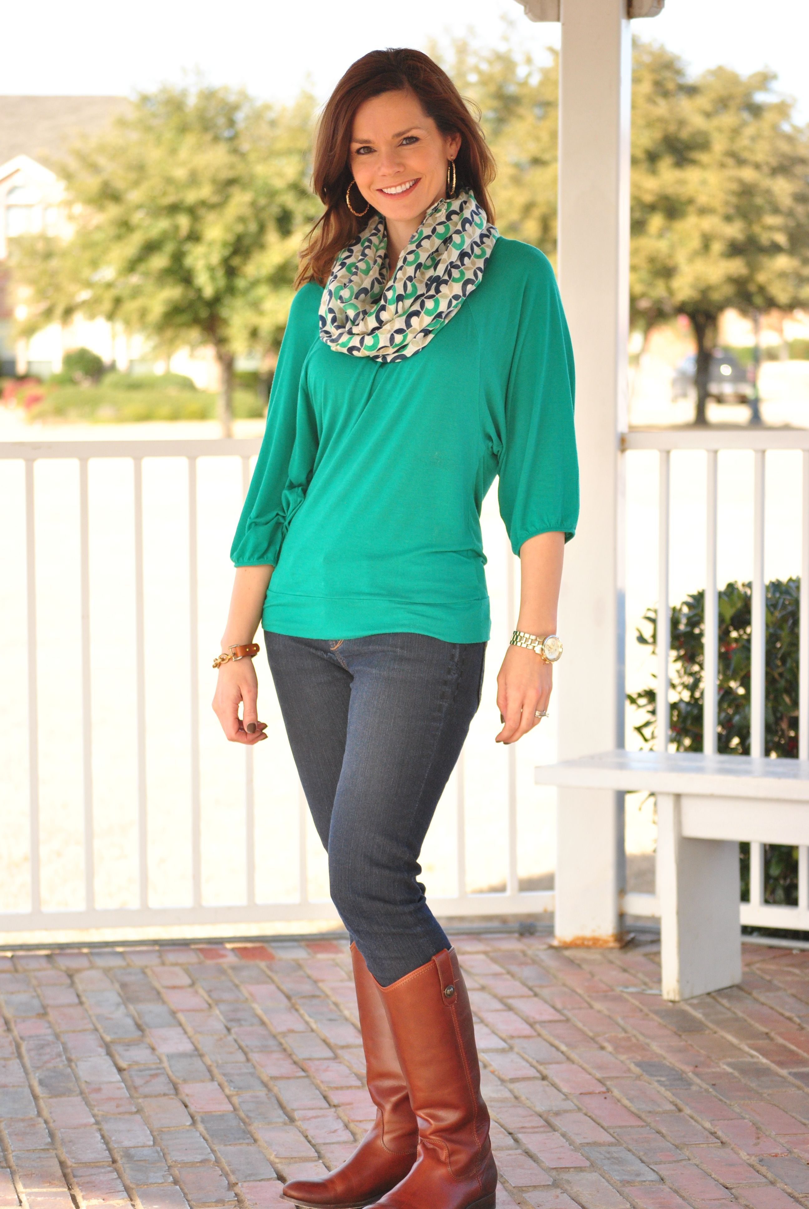 This is super similar to my outfit. I don\u0027t have a scarf like this but  maybe I should get one ) Emerald Green Shirt, Skinny Jeans, Boots
