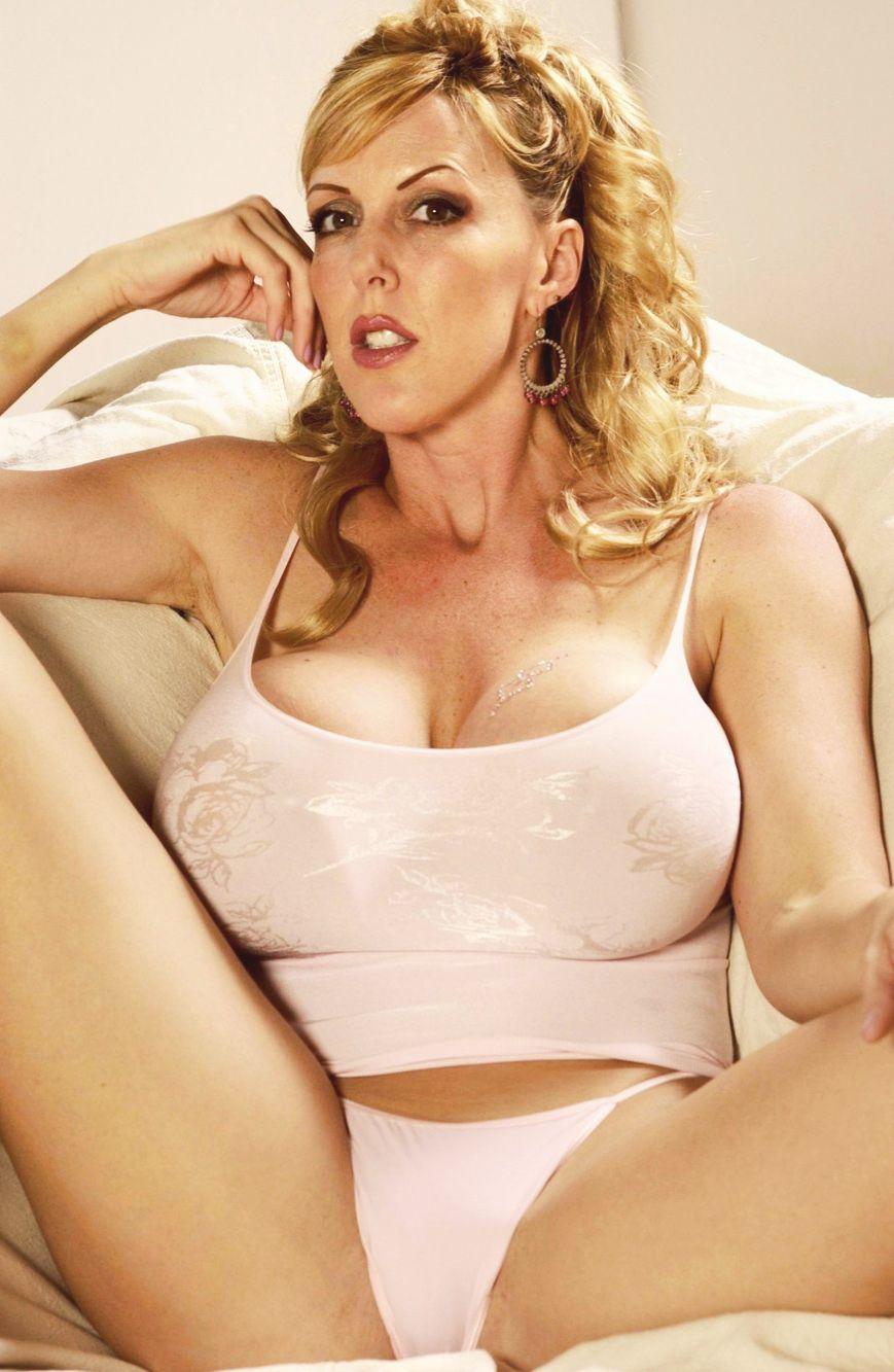 Genevieve goings nude video
