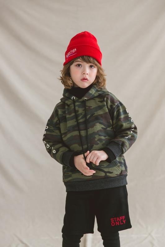 Green Tomato is back with a colorful Winter collection. This Korean kids brand makes unique basic wear clothing for boy and girl. Suitable to wear every day! www.kkami.nl/product-category/green-tomato/  #GreenTomato #kidswear #Winter2017 #wholesale #KKAMI