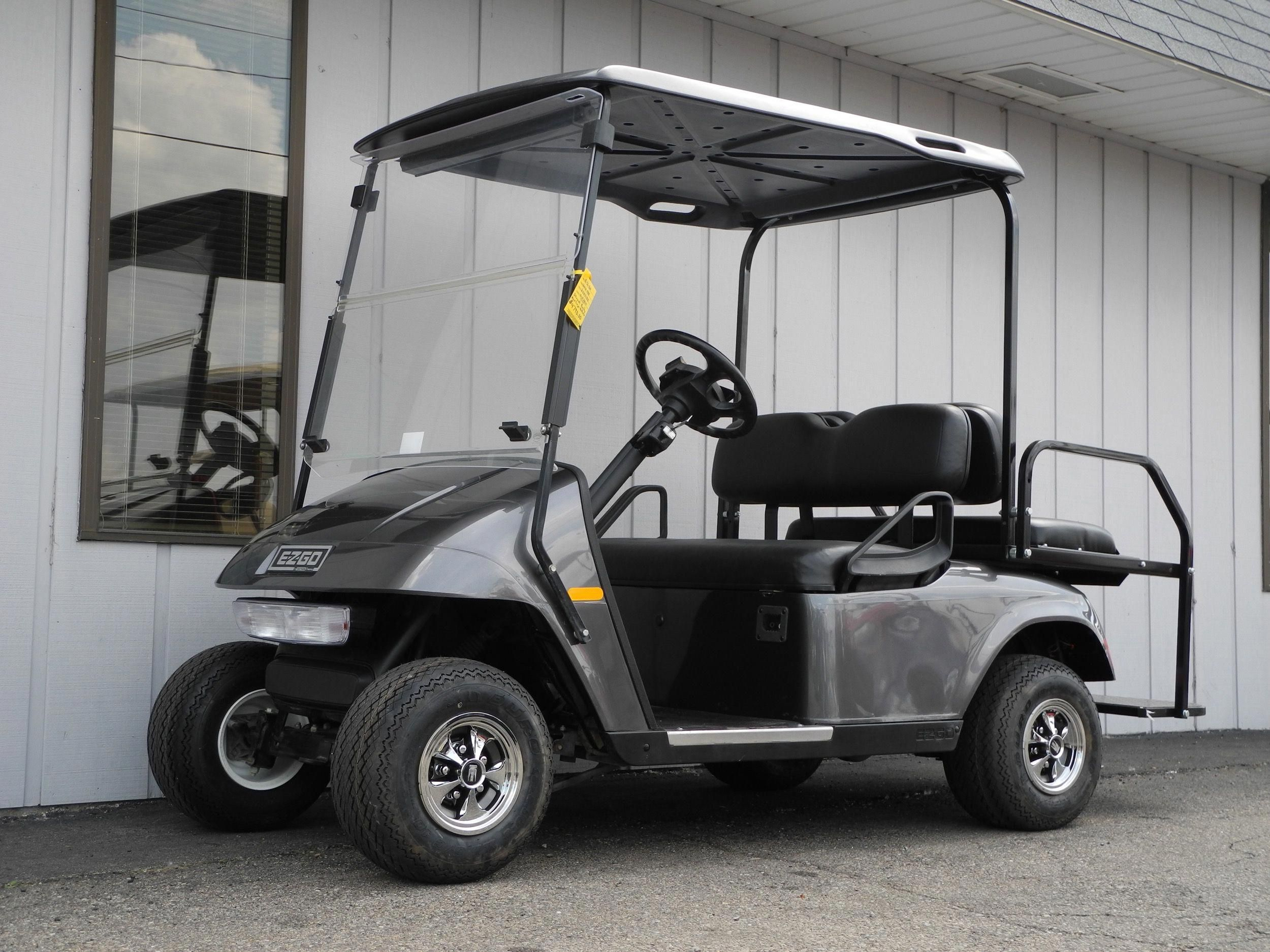 This 2010 E Z Go Pds Electric Golf Car Is Street Ready With Premium Lights Folding Windshield Rear View Mirror Standard With Images Car Golf Car Street Legal Golf Cart
