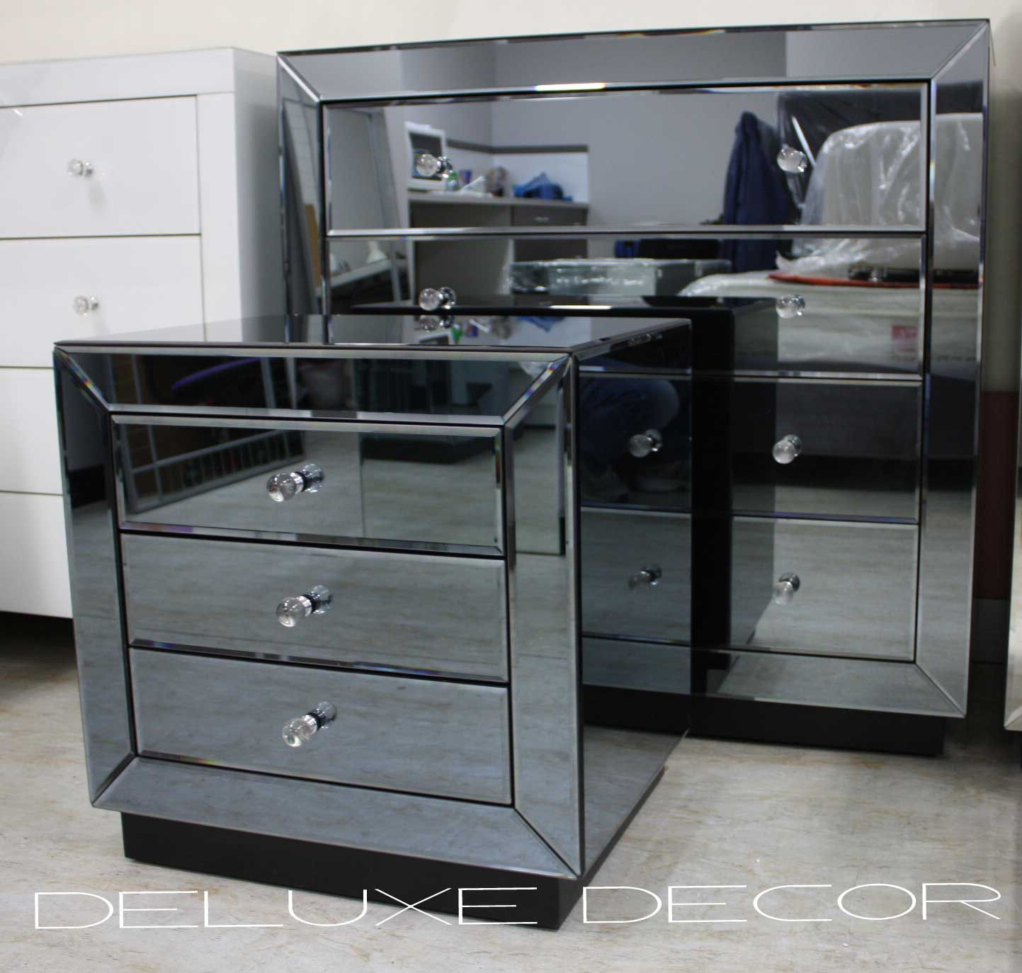 Wondrous Mirrored Bedroom Furniture with Elegant Interior: Gold Mirrored Dresser Silver Mirrored Dresser Mirrored Bedroom Furniture
