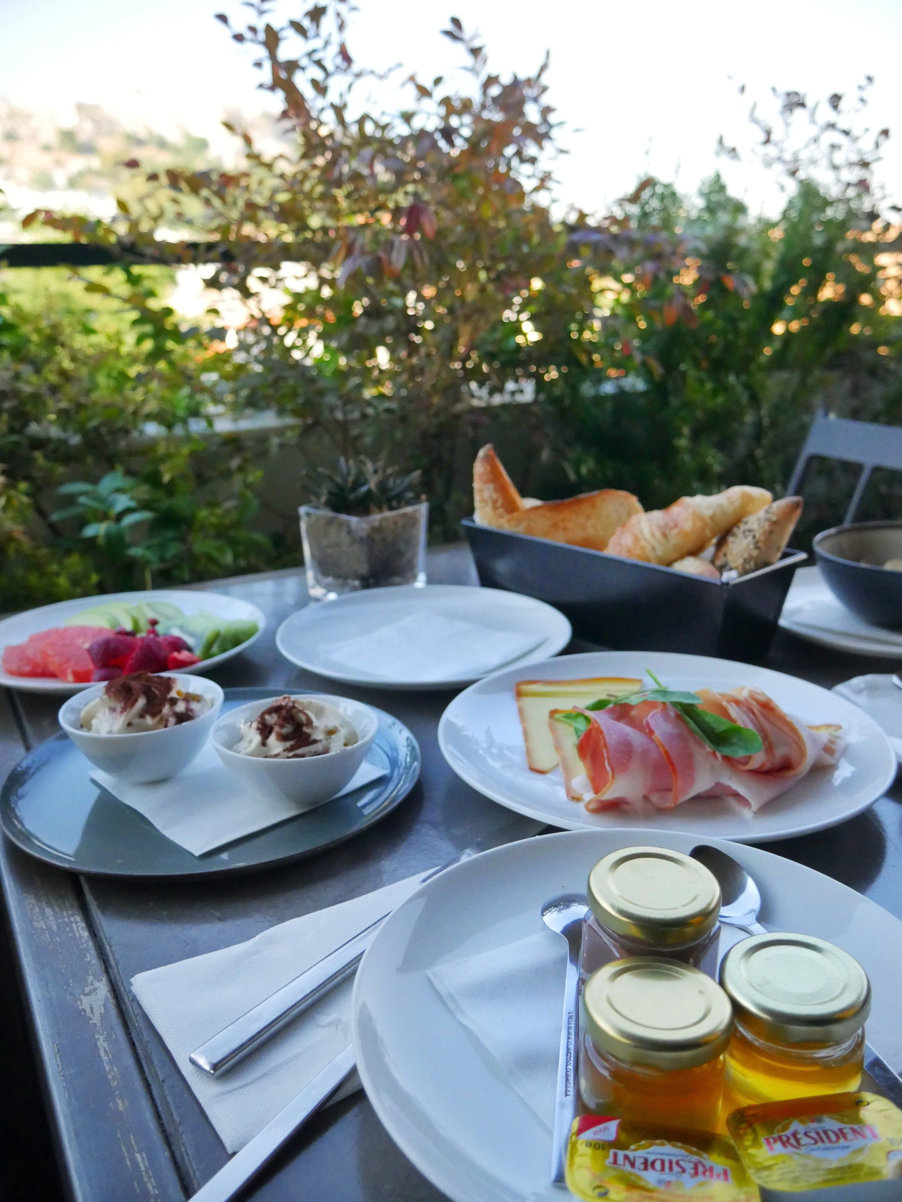 The Zillers Athens Hotel Review Travels Foreign Fresh Fierce Athens Hotel Athens Things To Do In Santorini